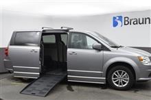2019 Dodge Grand Caravan SXT BraunAbility CompanionVan Easy Ramp
